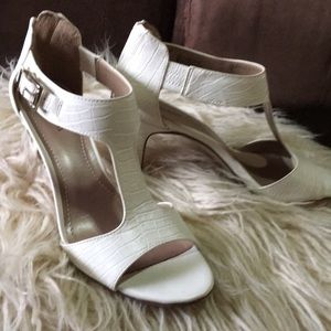 Style & Co. Heels Size 6.5